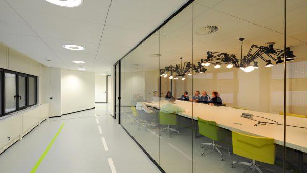 Adidas Interieur 13 - Hollandse Nieuwe
